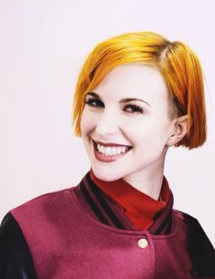 Hayley Williams - fire of my life :) that hair! love love love