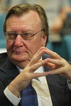 IL PREMIO NOBEL PER LA FISICA DEL 1984 FU ASSEGNATO AL FISICO ITALIANO CARLO RUBBIA  con L'OLANDESE SIMON VAN DER MEER
