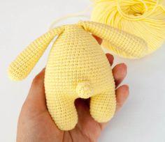 Free amigurumi rabbit baby rattle crochet pattern