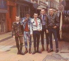 59 Ideas Style Vestimentaire Punk For 2019 Skinhead Boots, Skinhead Fashion, Punk Fashion, Skinhead Style, Skinhead Reggae, Mod Fashion, Dr. Martens, Estilo Punk Rock, 1980s