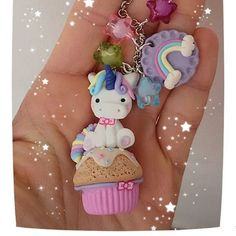 """56 Me gusta, 2 comentarios - l'angolo dei capricci (@susytigani) en Instagram: """"#unicorno #raimbow #fantasy #creations #fimo #polimer #policlaycreations #clay #muffin #cupcake…"""" Cute Polymer Clay, Polymer Clay Charms, Biscuit, Arts And Crafts, Diy Crafts, Pasta Flexible, Cold Porcelain, Unicorn Party, Clay Creations"""