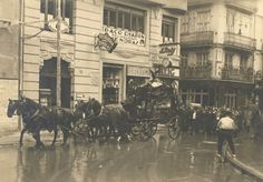 Cortejo fúnebre por la calle Calabazas en los años 30, al fondo la calle En Gil.   Archivo de José Huguet.       2013-Ángel M.