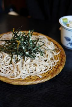 ざるそば - Zaru Soba - Cold soba noodles with dipping sauce https://www.facebook.com/tabaca.magno