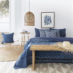 Couldn't resist sharing one of my favourite shots we created for the very lovely @peacocks_paisleys featuring a stunning mix of indigo cushions and quilt all available from @peacocks_paisleys 💙 Styling & Photography by me @villastyling 💙 #indigo #boho #bohemian #stylist #villastyling #decor #interior #interiørstyling #interiorstylist #home #studio #global #inspired #inspiration #photoshoot #productphotoshoot #blue Side table and chair by @uniqwacollections 💙 stunning artwork…