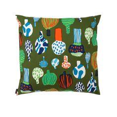 the green version of the Kuukuna cushion.  From Marimekko. Designed by Jenni Tuominen. 100% cotton fabric.   www.emma-b.nl