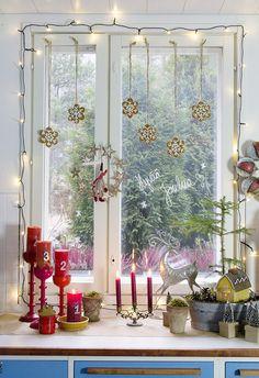 My Christmas kitchen. Scandinavian Christmas Decorations, Scandi Christmas, Christmas Kitchen, Christmas And New Year, Winter Christmas, Merry Christmas, Xmas, Christmas Windows, Christmas Stuff