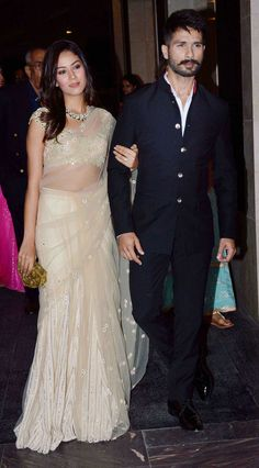 Mira Rajput and Shahid Kapoor make a starry entry (Photo: Yogen Shah) Wedding Dresses Men Indian, Wedding Dress Men, Wedding Suits, Indian Dresses, Indian Outfits, Indian Clothes, Wedding Kurta For Men, Wedding Prep, Wedding Goals