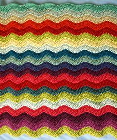 littletinbird's crochet ripple blanket - love love love the stripes :D