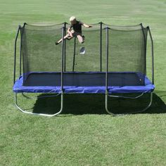 Which Trampoline To Buy – Round Or Rectangular?