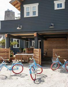 Unbelievably Cool House to Copy Beach House exterior//black//timber. Bob and Cortney Novagratz. Bob and Cortney Novagratz. Black House Exterior, House Paint Exterior, Exterior Paint Colors, Exterior House Colors, Paint Colors For Home, Exterior Design, Outdoor House Colors, Paint Colours, Dark Grey Houses
