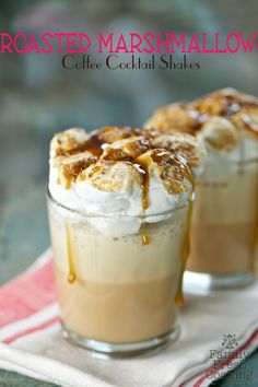 Roasted Marshmallow Coffee Cocktail Shakes Recipe - Roasted Marshmallow Coffee Cocktail Shakes Might Just Rock Your World Too Actually I Have No Doubt They Will Going To Your Local Coffee Shop Is Super Fun Being Able To Buy These Frozen Cof Shake Recipes, Smoothie Recipes, Drink Recipes, Vitamix Recipes, Coffee Shake, Iced Coffee, Espresso Coffee, Starbucks Coffee, Coffee Art