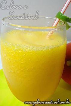 Receita de Suco de Manga com Limão: 01 manga, 4 colheres de sopa de suco de limão e 400 ml de água