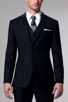 Shop for custom men's wedding suits and tuxedos. Find information on wedding suits & tuxedos for the best man, the groomsmen & the whole wedding party. Book an appointment for your wedding party to visit an INDOCHINO showroom and create your custom suits. Navy 3 Piece Suit, Three Piece Suit, 3 Piece Suits, Traje Slim Fit, Navy Pinstripe Suit, Made To Measure Suits, Bespoke Suit, Black Suits, Navy Suits