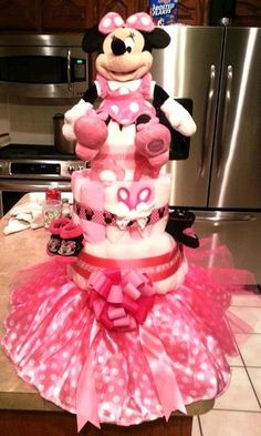 Newborn Minnie Mouse Diaper Cake | Minnie Mouse Diaper Cake :) | Baby shower ideas