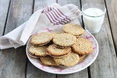 """750g vous propose la recette """"Biscuits aux flocons d'avoine & chocolat comme chez Ikea"""" en pas à pas. Avec une photo pour chaque étape, la réalisation de cette recette est un jeu d'enfant."""