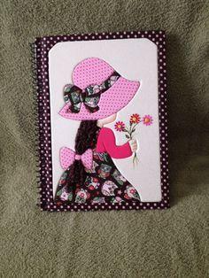 Caderno com aplicação de patchwork embutido!