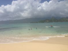 It can get busy at the Mokulua Islands