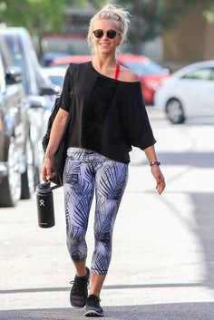 Julianne Hough wearing Mpg Sport Daring Capris, Under Armour Ua Speedform Apollo 2 Sneakers and Fitbit Alta with Graphite Leather Band