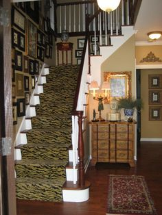 Cool Wooden Staircase With Leopard Pattern For Small Space Design Interior Ideas