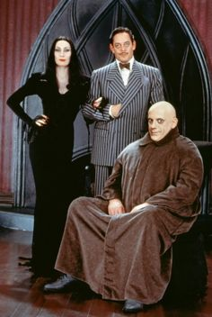 I loved Anjelica Huston and Raul Julia as Gomez and Morticia Addams. I kid you not, I actually cried the day Raul Julia died because I knew that was the end of the series. The Addams Family, Adams Family Costume, Family Halloween Costumes, Adams Family Halloween, Zombie Costumes, Halloween Couples, Group Halloween, Group Costumes, Halloween Town