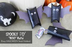 """Halloween """"Boo Bats"""" Treat Holders - A Little Claireification Holidays Halloween, Scary Halloween, Halloween Treats, Preschool Halloween, Halloween 2013, Preschool Ideas, Fall Crafts For Kids, Thanksgiving Crafts, Holiday Crafts"""