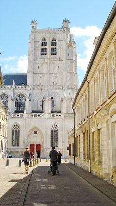 Cathédrale Notre-Dame de Saint-Omer, Nord-Pas-de-Calais, France by Jean-Paul Lauwereys
