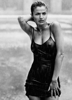 Helena Christensen by Peter Lindbergh on Curiator, the world's biggest collaborative art collection. Helena Christensen, Peter Lindbergh, Black And White Portraits, Black And White Photography, Sexy Women, Richard Avedon, Shooting Photo, Vogue Russia, Girl Body