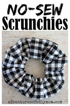 Quick and easy NO-SEW scrunchies tutorial. Make these hot glue gun scrunchies today!  #diyscrunchies #nosewscrunchies