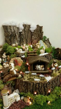 Intelligent and Low-cost Indoor Garden Ideas Christmas Crib Ideas, Outdoor Christmas Decorations, Christmas Wreaths, Christmas Crafts, Holiday Decor, Snowman Crafts, Diy Nativity, Christmas Nativity, Diy Christmas Fireplace
