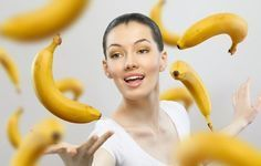 Bananas have unique properties and particularly now, in winter, they should be in the diet of each individual. The peculiarity of bananas is that they have a serotonin - the hormone of happiness, Hinchazón Abdominal, Banana Health Benefits, Banana Madura, Eating Bananas, Lose Weight, Weight Loss, Facon, Healthy Life, Health Tips