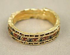 Byzantine ring, Cloisonné enamel, gold