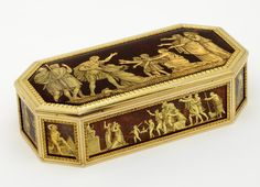 Imagery fit for Bastille Day: snuffbox with images after Jean-Guillaume Moitte's History of Rome, box: Joseph-Etienne Blerzy, c. 1789-1795, Paris; panels: signed Villar, museum no. Loan:Gilbert.370-2008 | The Rosalinde and Arthur Gilbert Collection on loan to the Victoria and Albert Museum, London