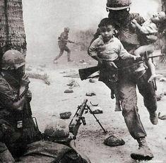 World History, World War Ii, Today History, History Books, History Photos, Vietnam War Photos, Vietnam History, War Photography, People Photography