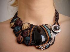Marion Jewels in Fiber - News and Such: Micro Macrame - The Latin American Version