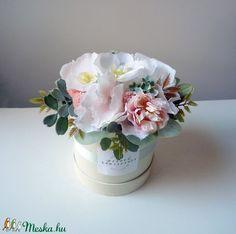 Kis virágdoboz szülinapra (Decoflor) - Meska.hu Vase, Home Decor, Decoration Home, Room Decor, Vases, Home Interior Design, Home Decoration, Interior Design, Jars
