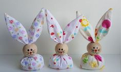 Easter is a nice family party. When we think of Easter, we fall to the … - Diy Crafts Hoppy Easter, Easter Bunny, Easter Eggs, Hobbies And Crafts, Diy And Crafts, Crafts For Kids, Bunny Crafts, Easter Crafts, Easter Projects