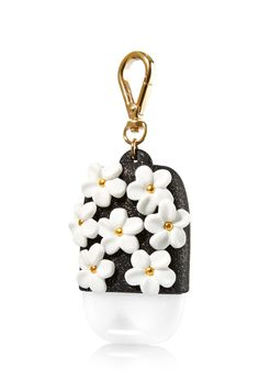 Black & White Flowers - PocketBac Holder - Bath & Body Works - What's black & white & flowered all over? This fun accent for your PocketBac! The convenient clip attaches to your backpack, purse and mo (Whats Your Favorite Younique) Bath Body Works, Bath N Body, Bath And Body Works Perfume, Reuse Candle Jars, Black And White Flowers, Black White, Perfume Organization, Alcohol En Gel, Hand Sanitizer Holder
