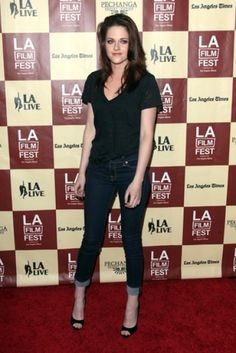 Kristen Stewart Love everything about this... Hair down to the shoes
