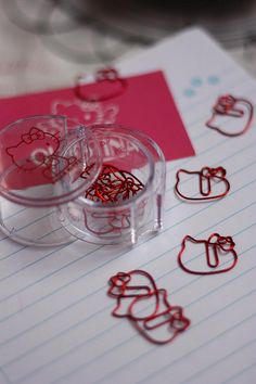 Hello Kitty Paperclips - red
