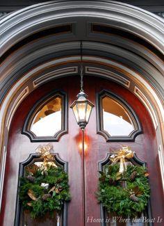 Beautiful doorway, Charleston, SC | homeiswheretheboatis.net #Christmas #lowcountry