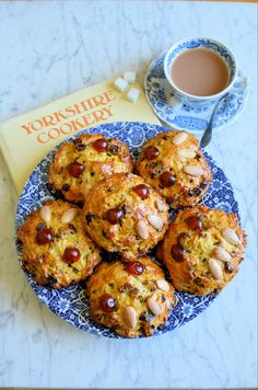 My take on the famous Betty's Fat Rascals; Fat Rascals a cross between a bun and a scone, more like a rock cake, delicious when enjoyed with an a cuppa. Aga Recipes, Cooking Recipes, Biscuit Cookies, Biscuit Recipe, Yorkshire, Baking Buns, Tolle Desserts, Gluten Free Cakes, Great Desserts