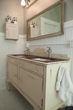 40 Ideas for bathroom vanity design vintage furniture Bathroom Vanity Designs, Bathroom Vanity Cabinets, Bathroom Furniture, Bathroom Vanities, Bathroom Ideas, Tv Cabinets, Vanity Decor, Diy Vanity, Distressed Furniture
