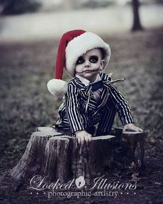 Funny pictures about Jack Skellington. Oh, and cool pics about Jack Skellington. Also, Jack Skellington photos. Costume Halloween, Fete Halloween, Christmas Costumes, Holidays Halloween, Halloween Kids, Halloween Makeup, Halloween Pictures, Sally Costume, Infant Halloween