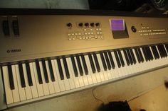 Yamaha MM8 Music Synthesizer 88 Keyboard