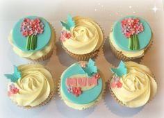 Mother's Day cupcakes..............