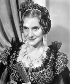 Beulah Bondi ( 1889 – She began her acting career as a young child in… Hollywood Photo, Old Hollywood Stars, Golden Age Of Hollywood, Vintage Hollywood, Classic Hollywood, Classic Movie Stars, Classic Movies, Beulah Bondi, Famous Stars