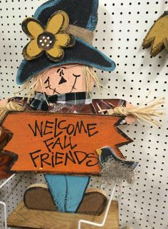 Cute scarecrow wood craft. Welcome Fall Friends