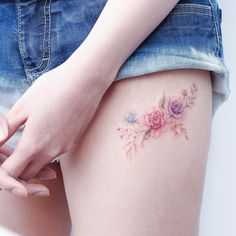 Dainty thigh flowers ink tattoos, flower tattoos и small flo Tattoos For Women Flowers, Foot Tattoos For Women, Small Tattoos For Guys, Tattoo Designs For Women, Small Foot Tattoos, Small Flower Tattoos, Flower Tattoo Designs, Mini Tattoos, Rose Tattoos