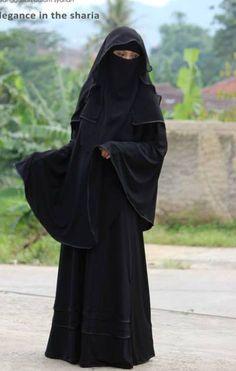 Full Black Elegance