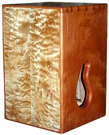 How To Build Cajon Drums - great basic design tips Making Musical Instruments, Homemade Instruments, Music Instruments, Homemade Drum, Drums Girl, Cajon Drum, Drum Lessons For Kids, Drums Artwork, Diy Drums